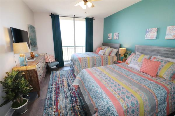 Beach Colony Resort | Unit E 1B https://www.perdidokeyflorida.com/rentals/beach-colony-resort