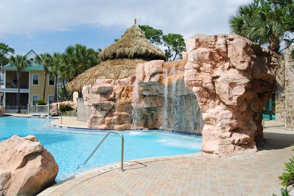 Purple Parrot Resort | Outdoor Pool https://www.perdidokeyflorida.com/rentals/purple-parrot-perdido-key