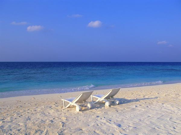 Gallery Image h-BeachChairs.jpg