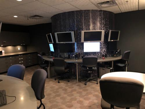 Rent our Digital Video Studio for editing