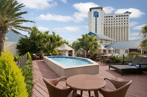 IP Casino Resort Spa - Hot Tub at Pool