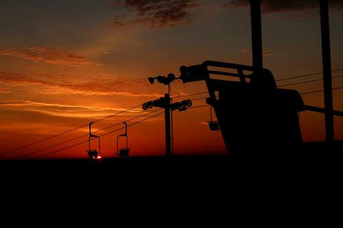 Gallery Image dramatic_sunrise_over_lift3.JPG