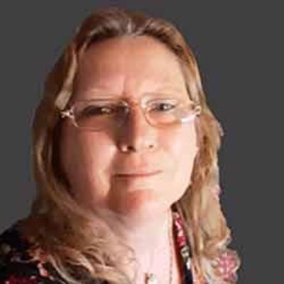 Glenn-Ellen  Howell