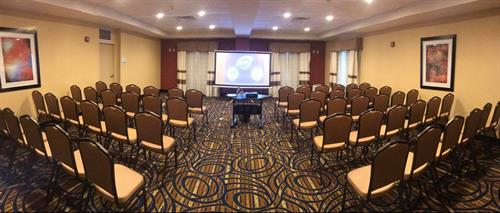 The Hudson Room can accommodate your larger conferences and meeting needs.