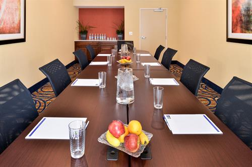 The Meteorite Room is perfect for all your boardroom needs. Call for reservations today.