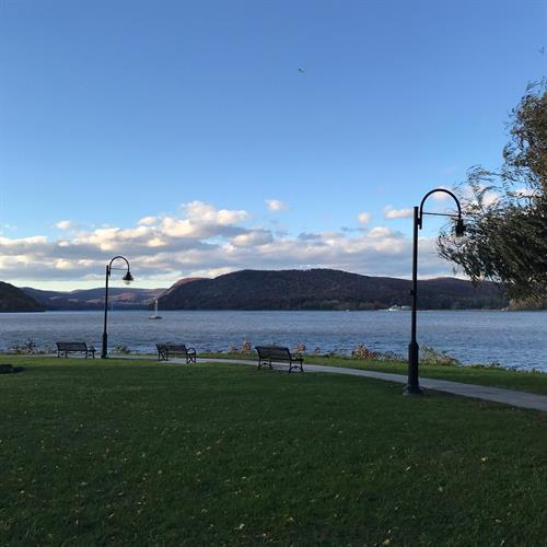 Enjoy a beautiful scenic walk along the Hudson daily.