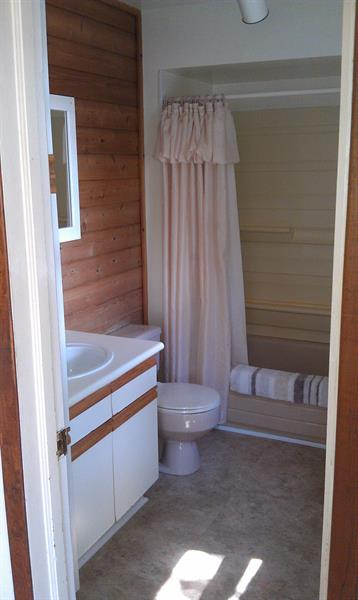 Rosewood Vacation House Bathroom