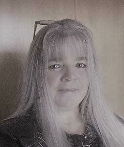Vicky-Lynne Hicks, Office Manager