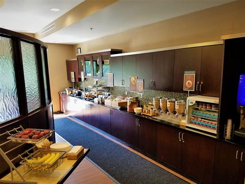 Gallery Image breakfast_buffet.jpg