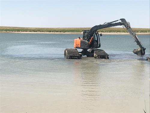 Gallery Image Photo_-_Great_Excavations_specializes_in_pond_maintenance_and_improvement.JPG