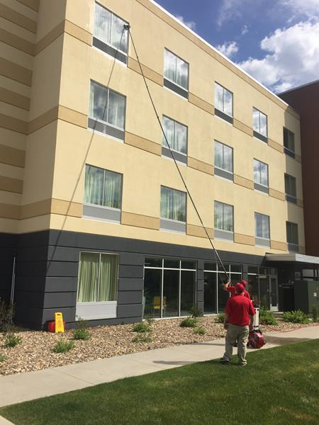 4 Story Hotel