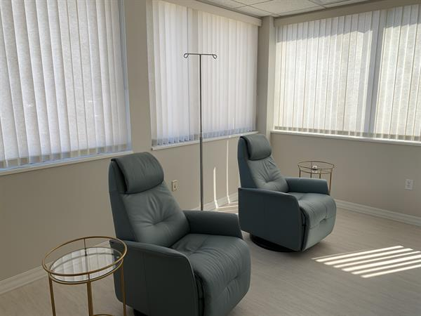 Gallery Image IV_Therapy_Room_Waterloo_Iowa.jpg