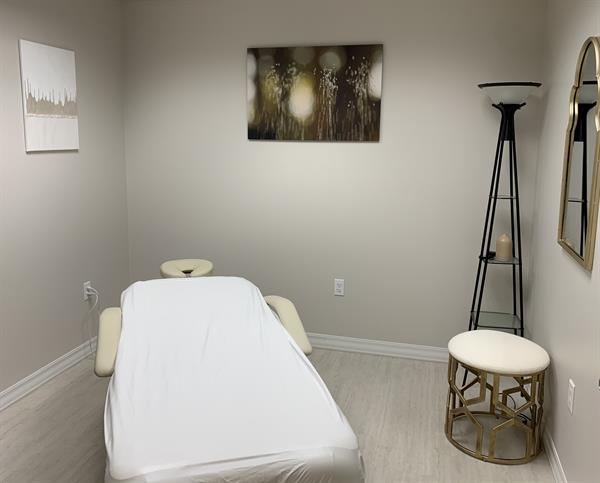 Gallery Image Massage_Therapy.jpg