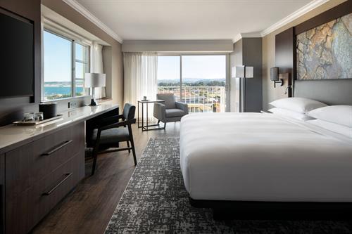 Bay View King - Monterey Marriott