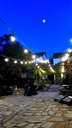Gallery Image courtyard_for_bookmark(1).jpg