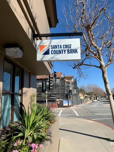 Santa Cruz County Bank - 584 Munras Avenue