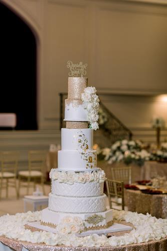 Grand Sweet 16 Cake