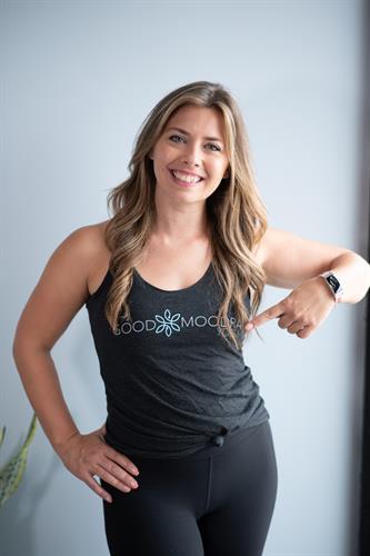 Roni wearing the Good Moodra Yoga tank