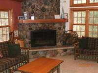 Black Oak Lodge - Fireplace/Sitting Area
