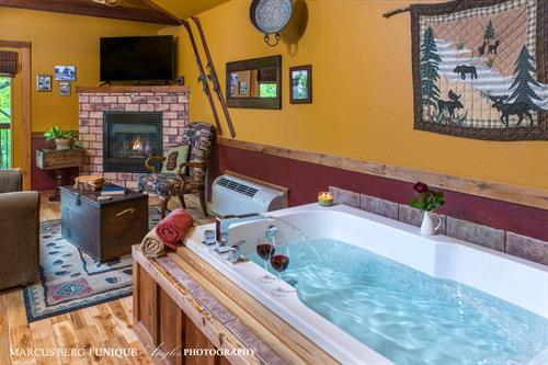 Jacuzzi in all cabins and cottages