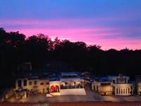 Gallery Image Passion_Play_Set_in_Fall_Colors_Beautiful_sunset_Eureka_Springs.jpg