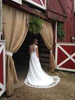 A Hidden Valley Bride 2016