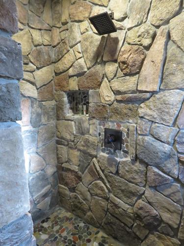 Red Cedar Cabin Rock Shower