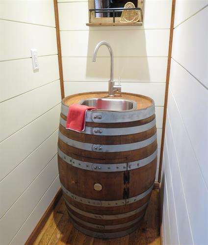 Red Cedar Cabin Wet Bar