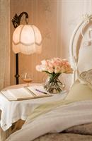 Chantilly Rose Room - Relax