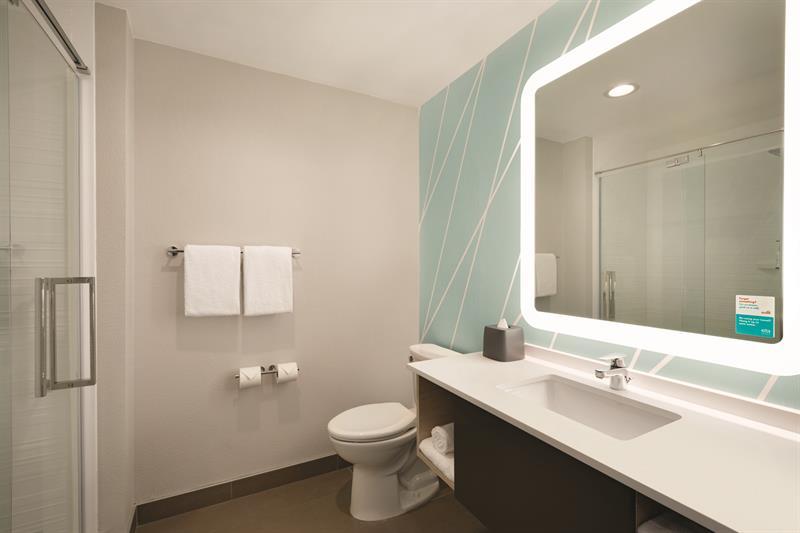 Gallery Image avid-hotels-bathroom-1.jpg