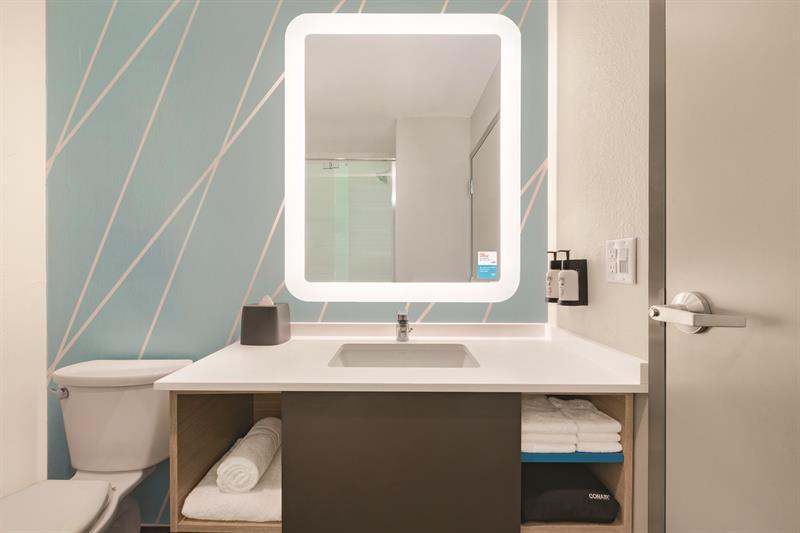 Gallery Image avid-hotels-bathroom-2_-_Copy.jpg