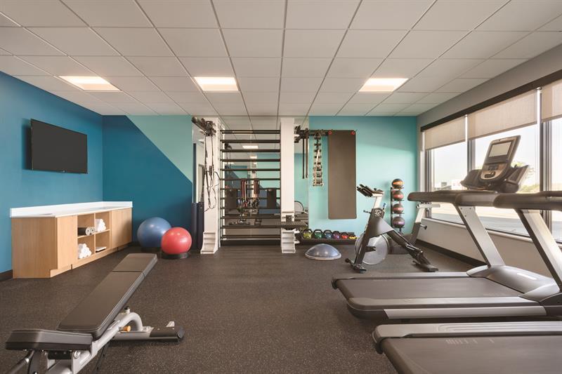 Gallery Image avid-hotels-gym.jpg
