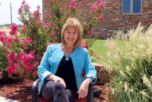 Meet December Ambassador of the Month Lori Lee