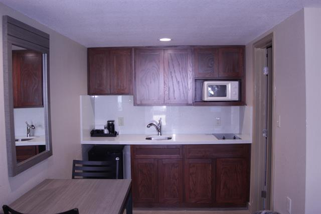King Kitchenette Room