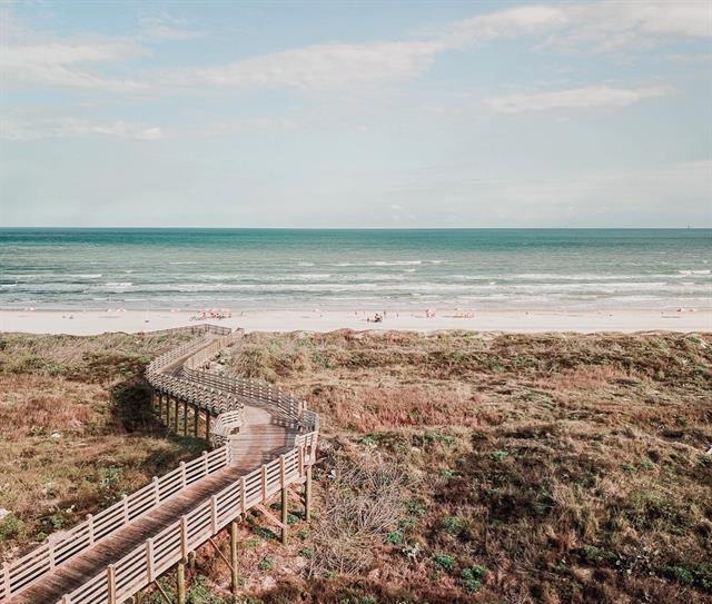 Gallery Image cinnamon_shore_coast.jpg