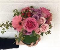 Galentine's Day Flower Arranging!