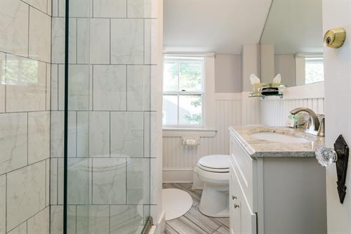 Madaket Suite Bathroom