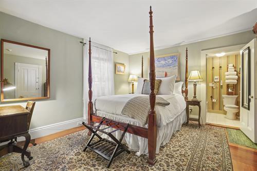 Room 2 (bedroom)