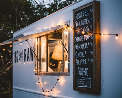 Gallery Image ACK_food_truck_at_night.jpg