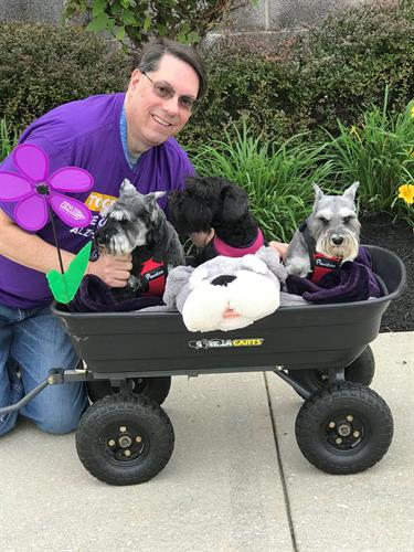 Sandy, Gus and Heidi at the Alzheimers walk in Aberdeen - Fall 2018