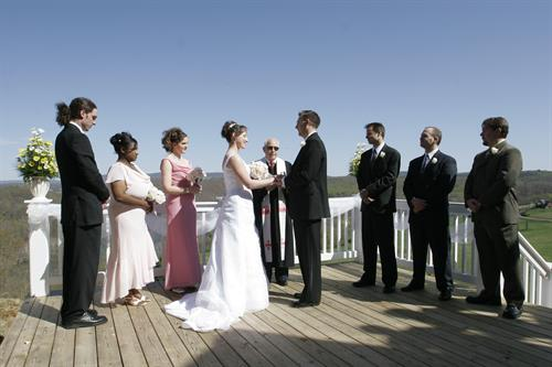 Wedding on the platform overlooking the valley