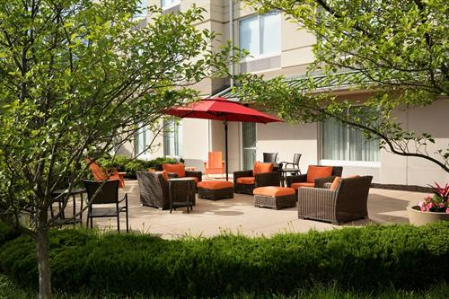 Gallery Image AVPWI_Outdoor_Seating_Area_Day_04.jpg