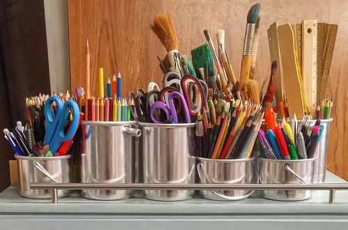 We offer arts & crafts & DIY