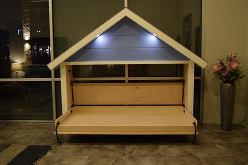 Twin size kids playhouse bed