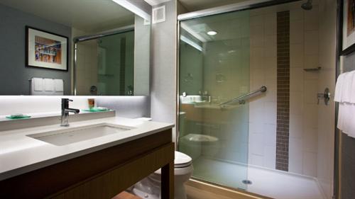 Gallery Image PHOTOS_-_Standard_Room_Bathroom_-_Copy.png