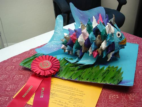 A winner in the kids craft contest
