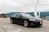 Tesla Model S p85 at Kelowna Water Front