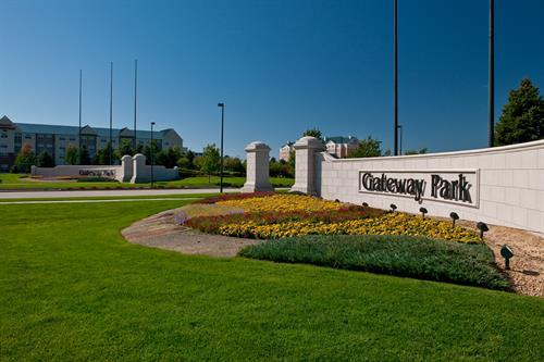 Gallery Image gateway-monument-kimley.jpg