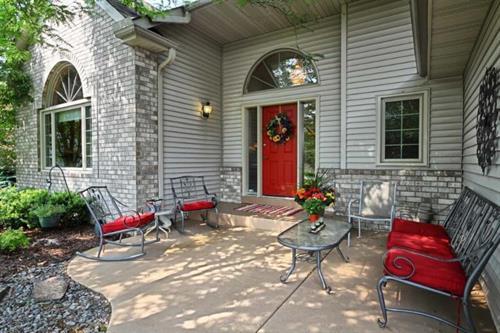 Gallery Image doorway_red_view.jpg