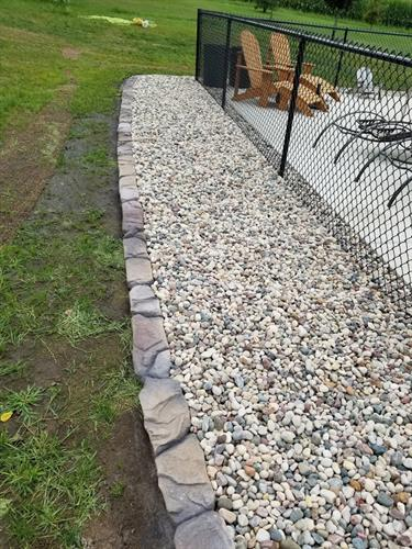 Landscape concrete edging